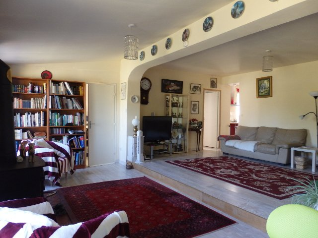 Excellent 3 Bedroom Former Railway Cottage with Atelier and Attached Gardens