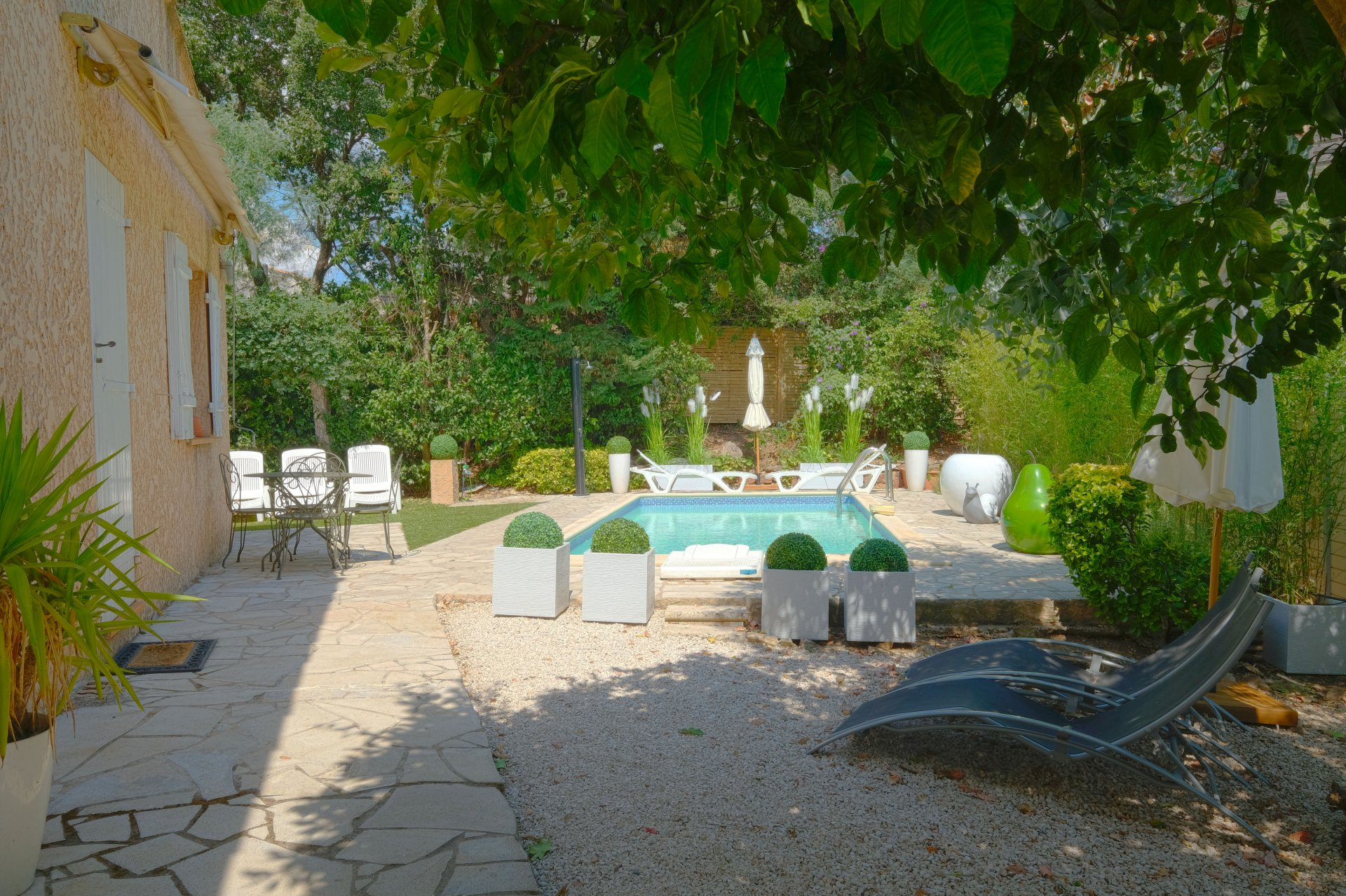 Renovated house 4 bedrooms, swimmingpool walking to beach es St Maxime