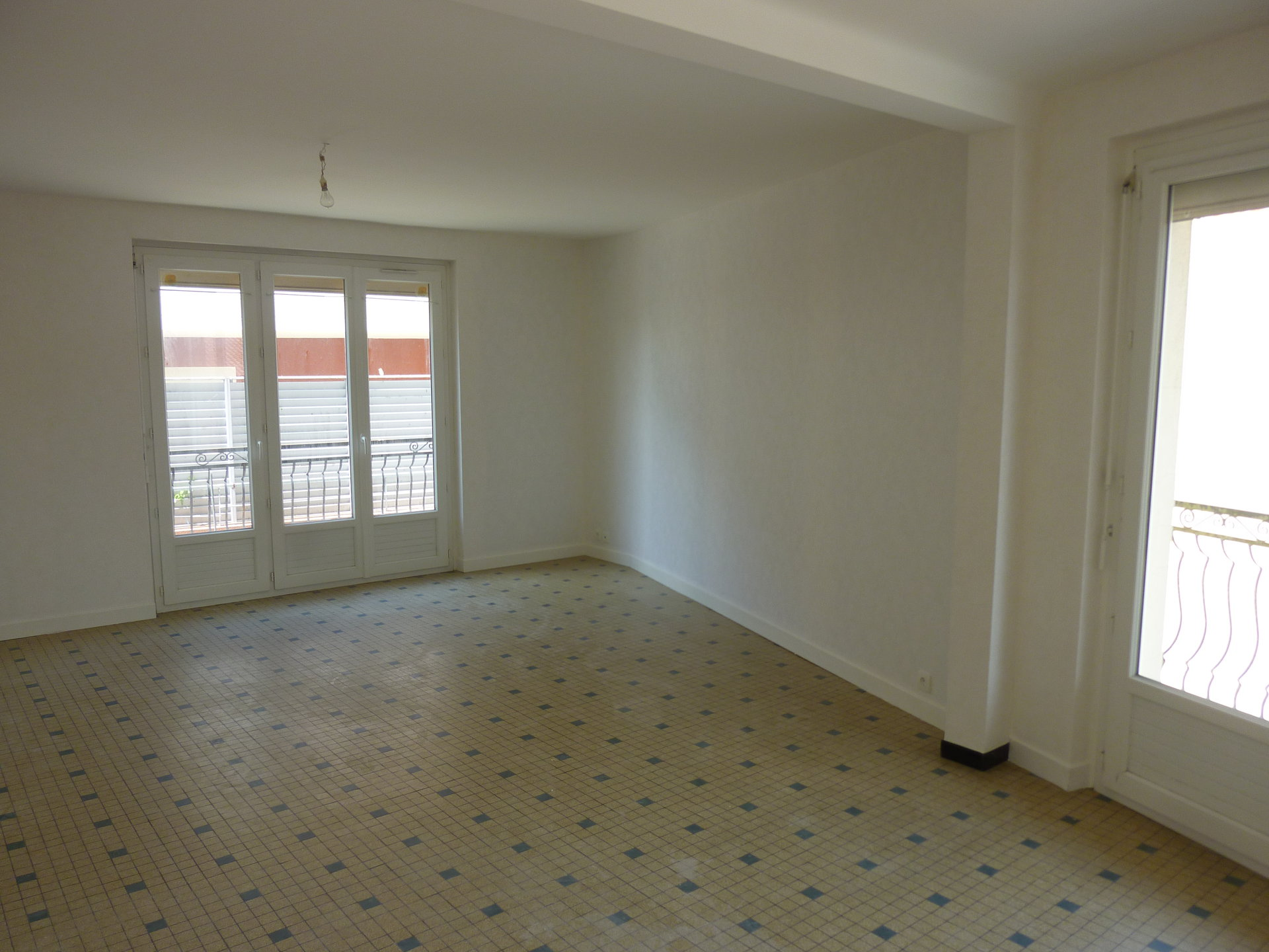 Three-room apartment (81 m²)