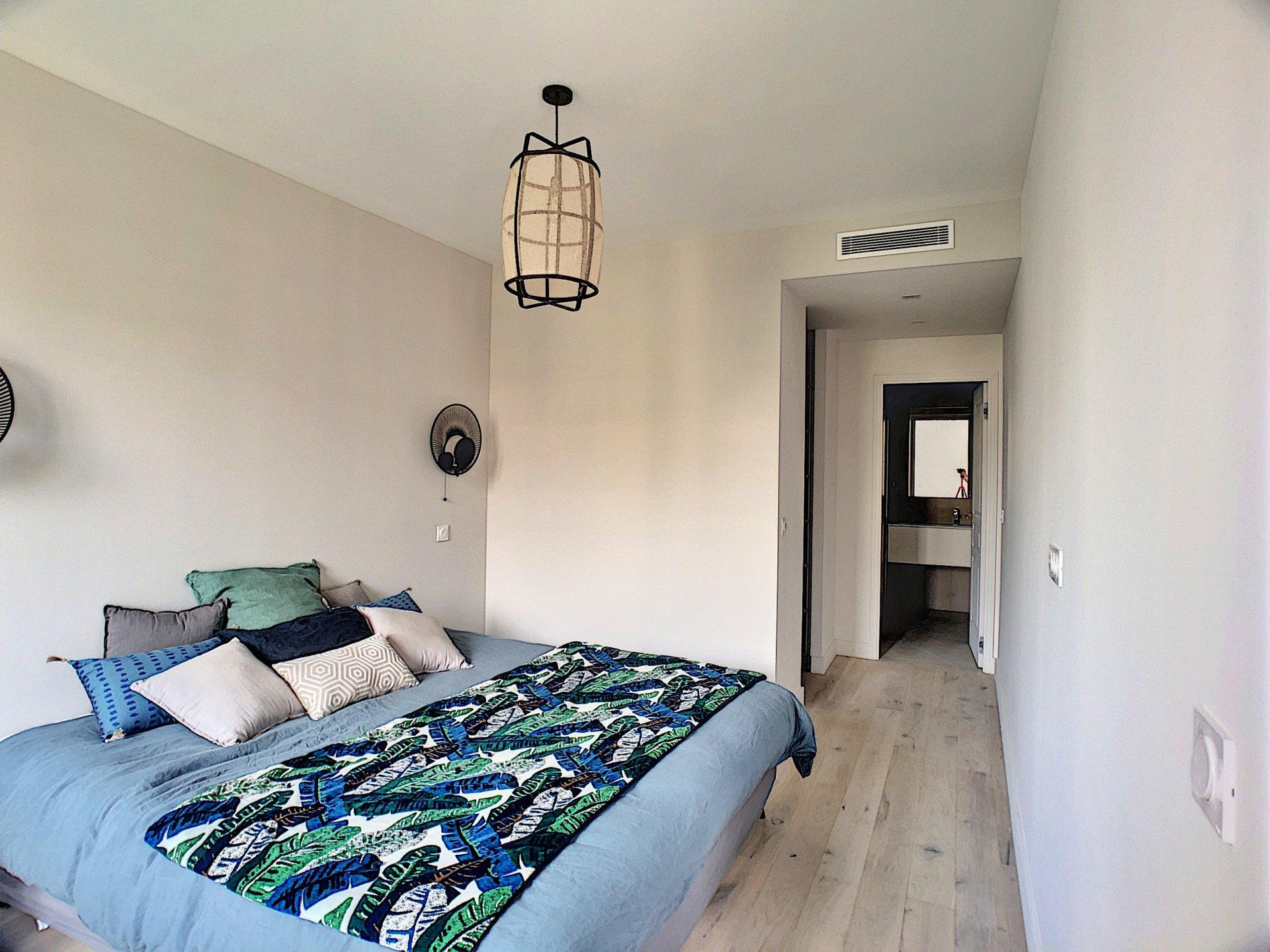 3 P CHARMING   87 m²  NICE CENTER