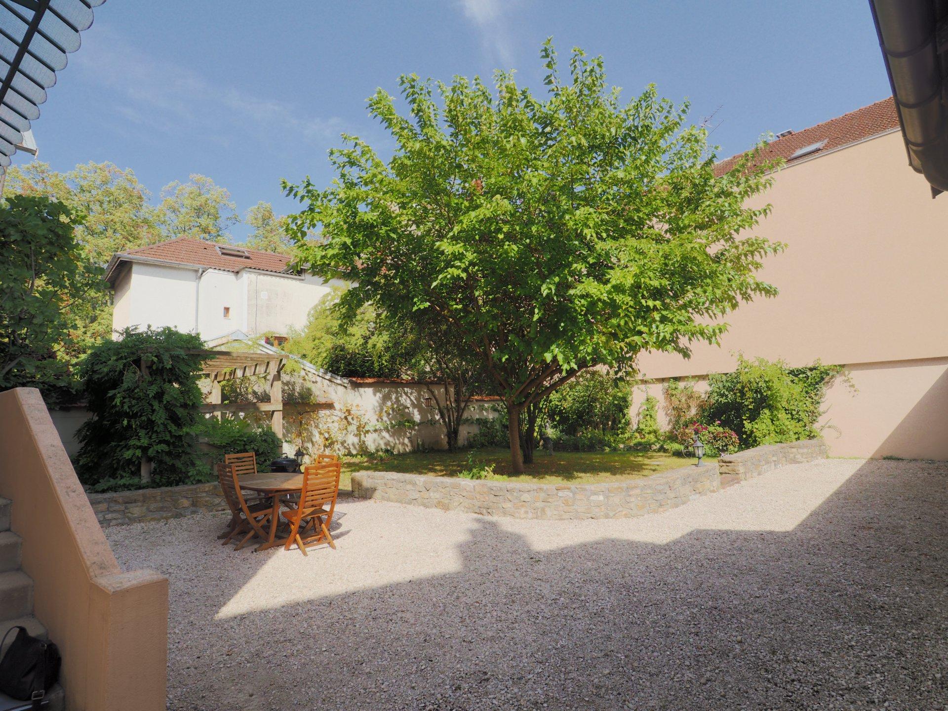 Rare, Maison avec jardin Bourg en Bresse centre