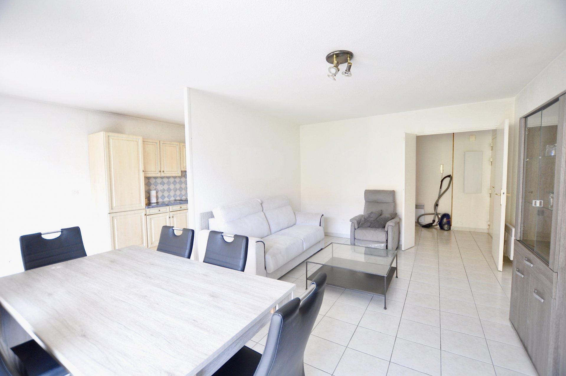 BVD RIQUIER: 2P meublé avec terrasse