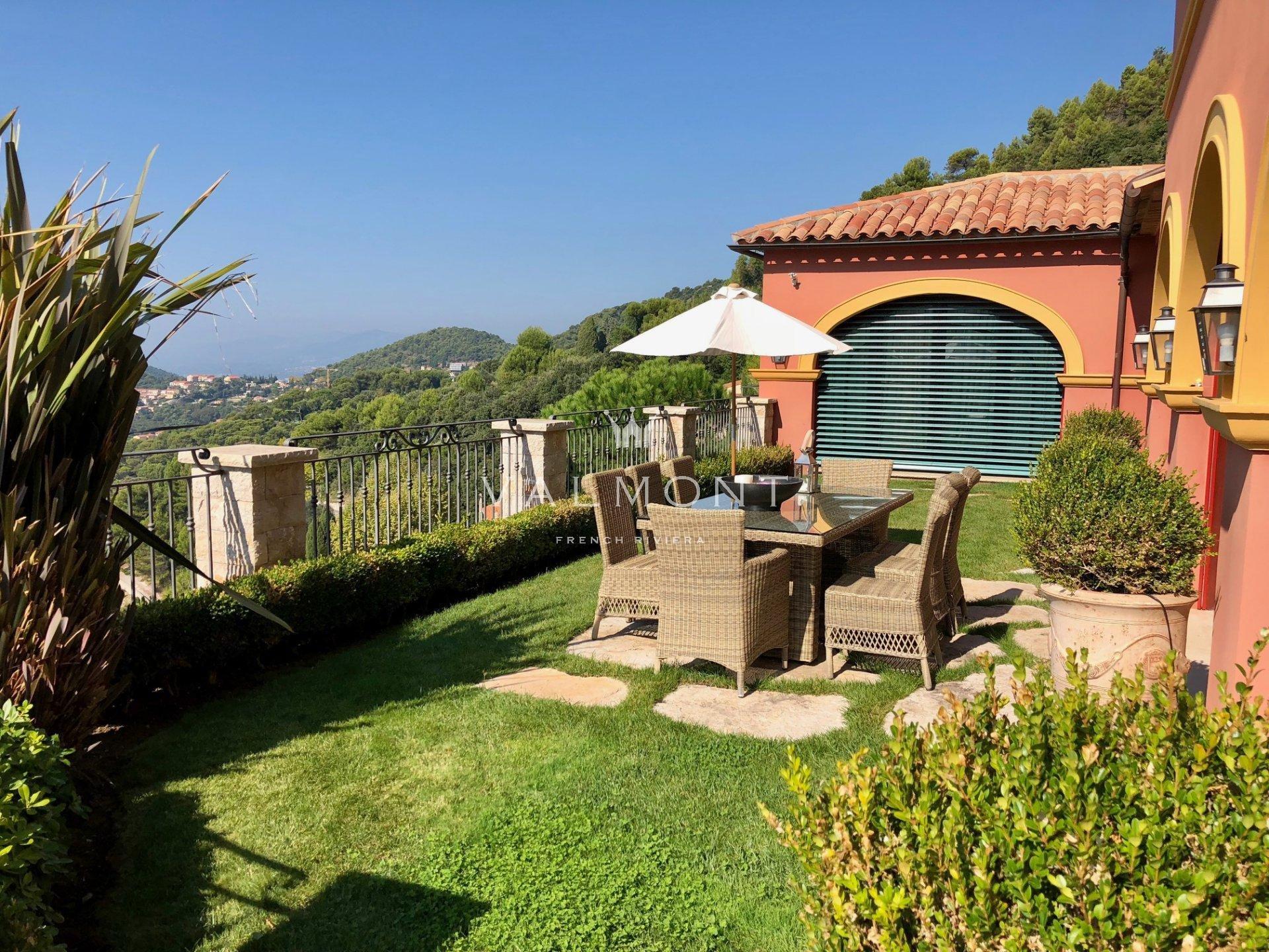 BEAUTIFUL BASTIDE NEAR MONACO OVERLOOKING MEDIEVAL VILLAGE OF EZE