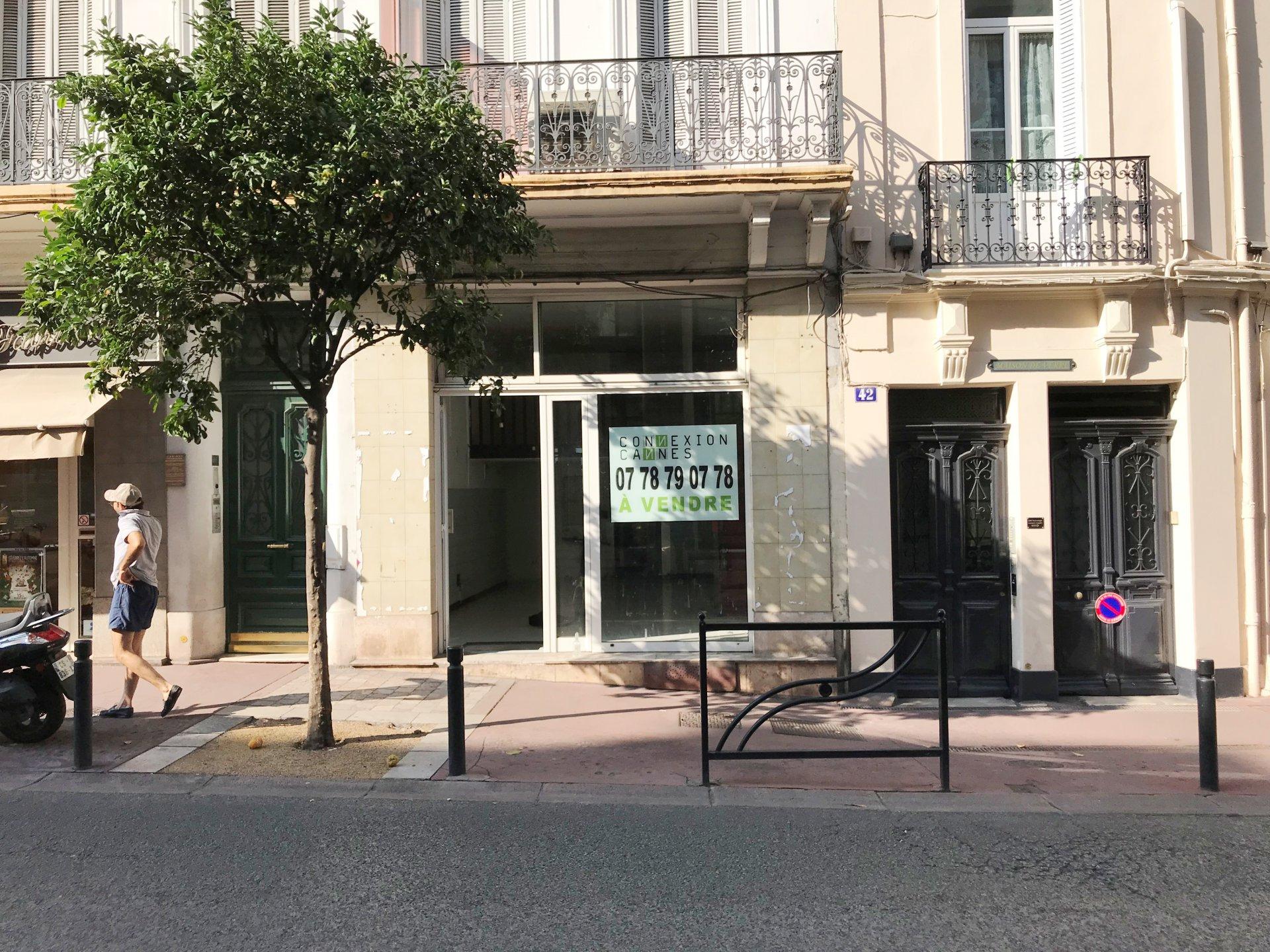 Sale Premises - Cannes Banane