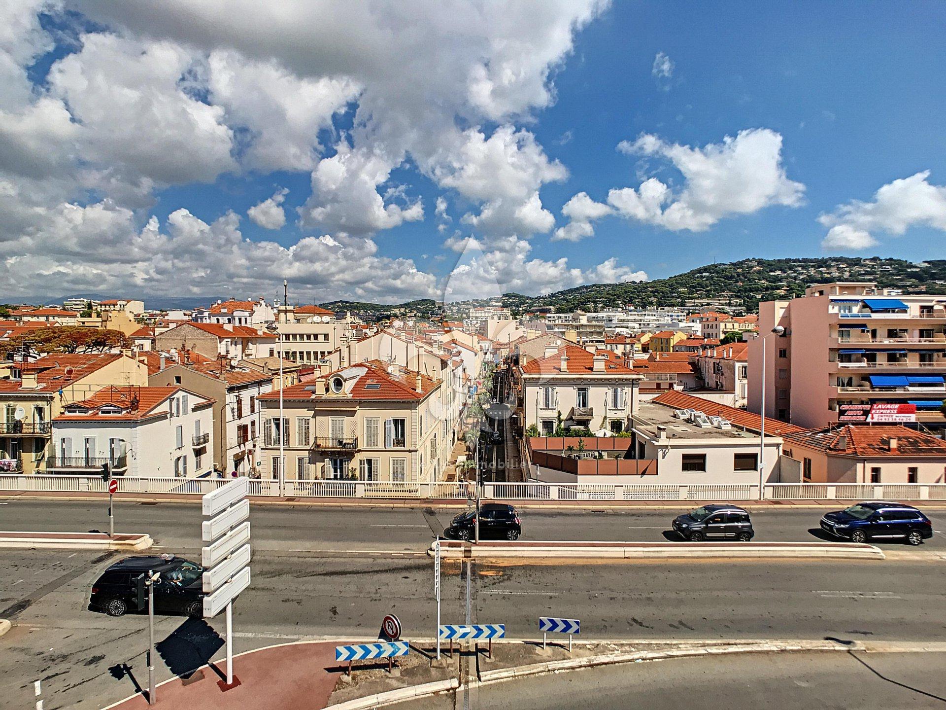 Joli studio en plein centre, Cannes