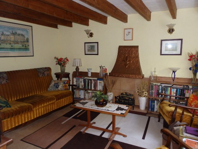 2 Bedroom House, Another 2 Bedroom House, Barn and Gardens. Gîte/ Rental Opportunities