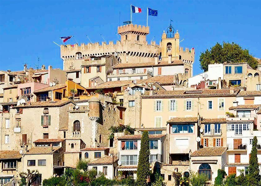 CAGNES-SUR-MER - French Riviera - 2 bed Apartment with large terraces