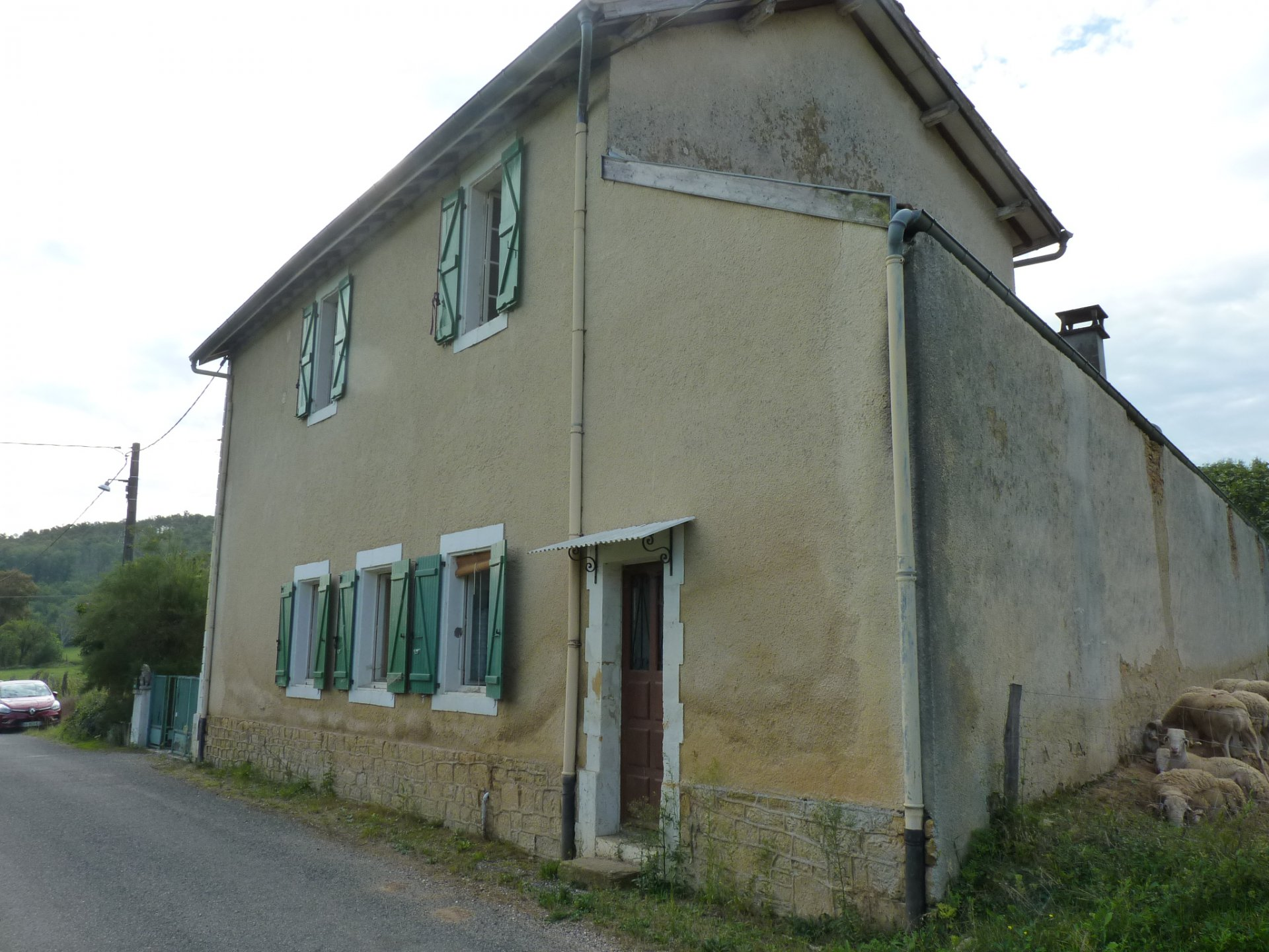 Old school, T6 to renovate nearby Aurignac