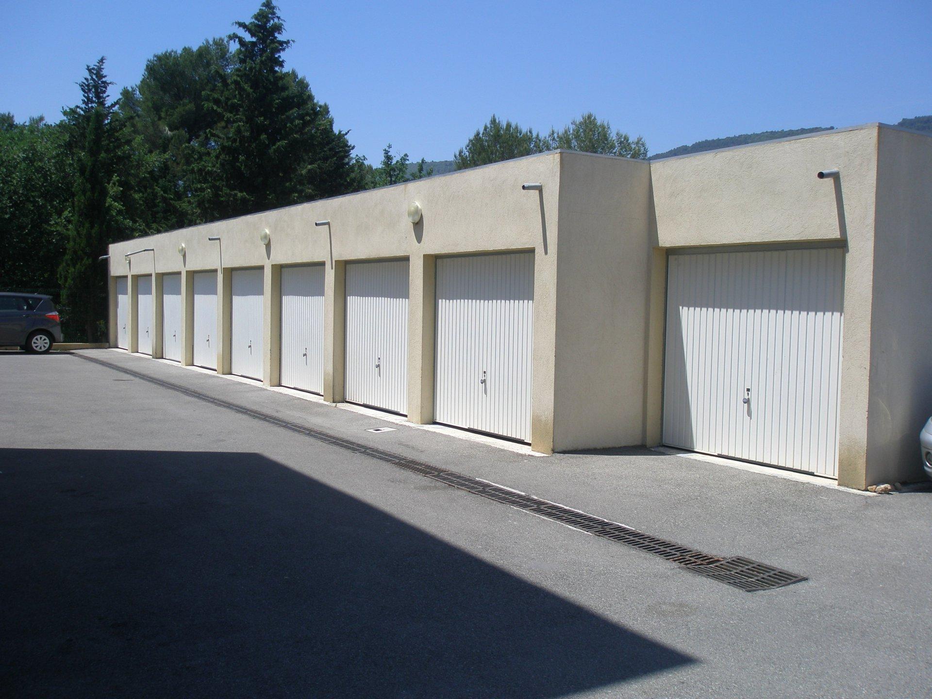 Sale Building - Peymeinade