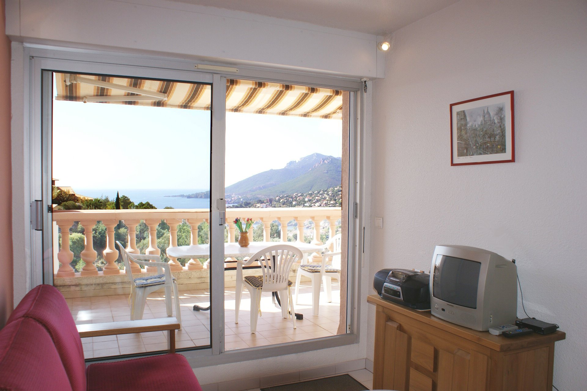 1 bedroom with sea view in perfect condition
