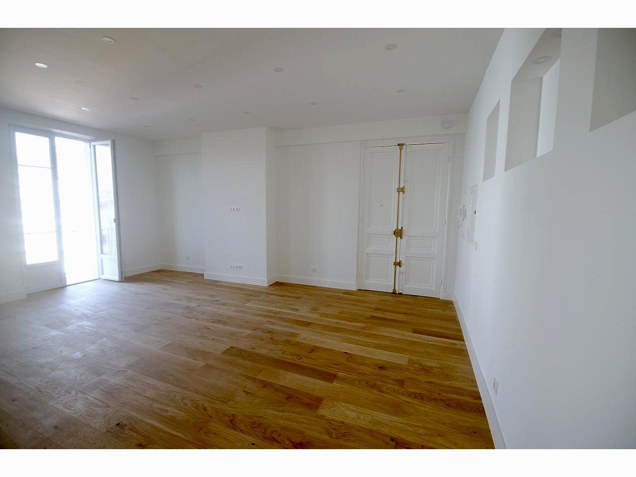 Nice LE PORT - 2 Bedrooms with balconies