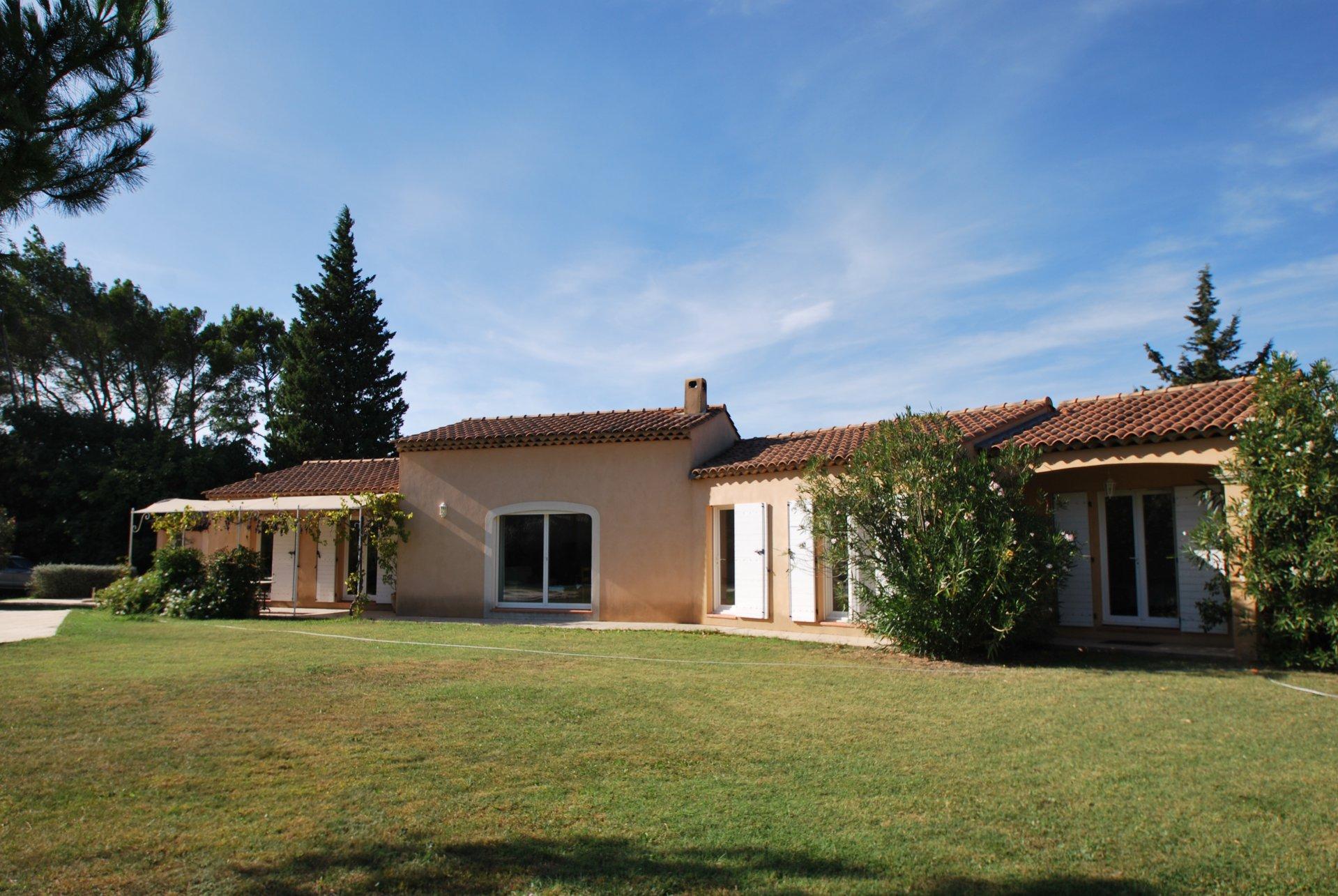 Villa de charme avec superbe jardin
