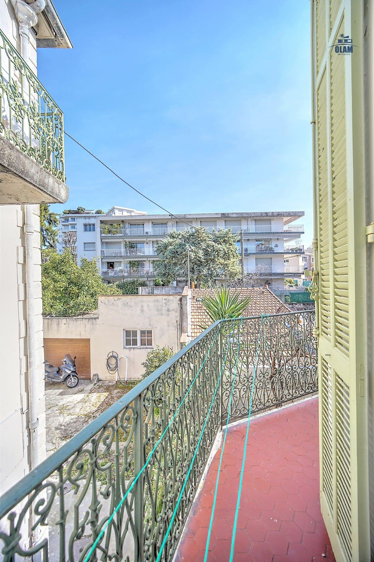 Ideal location in a quiet area near rue d'Antibes, Croisette and Palais