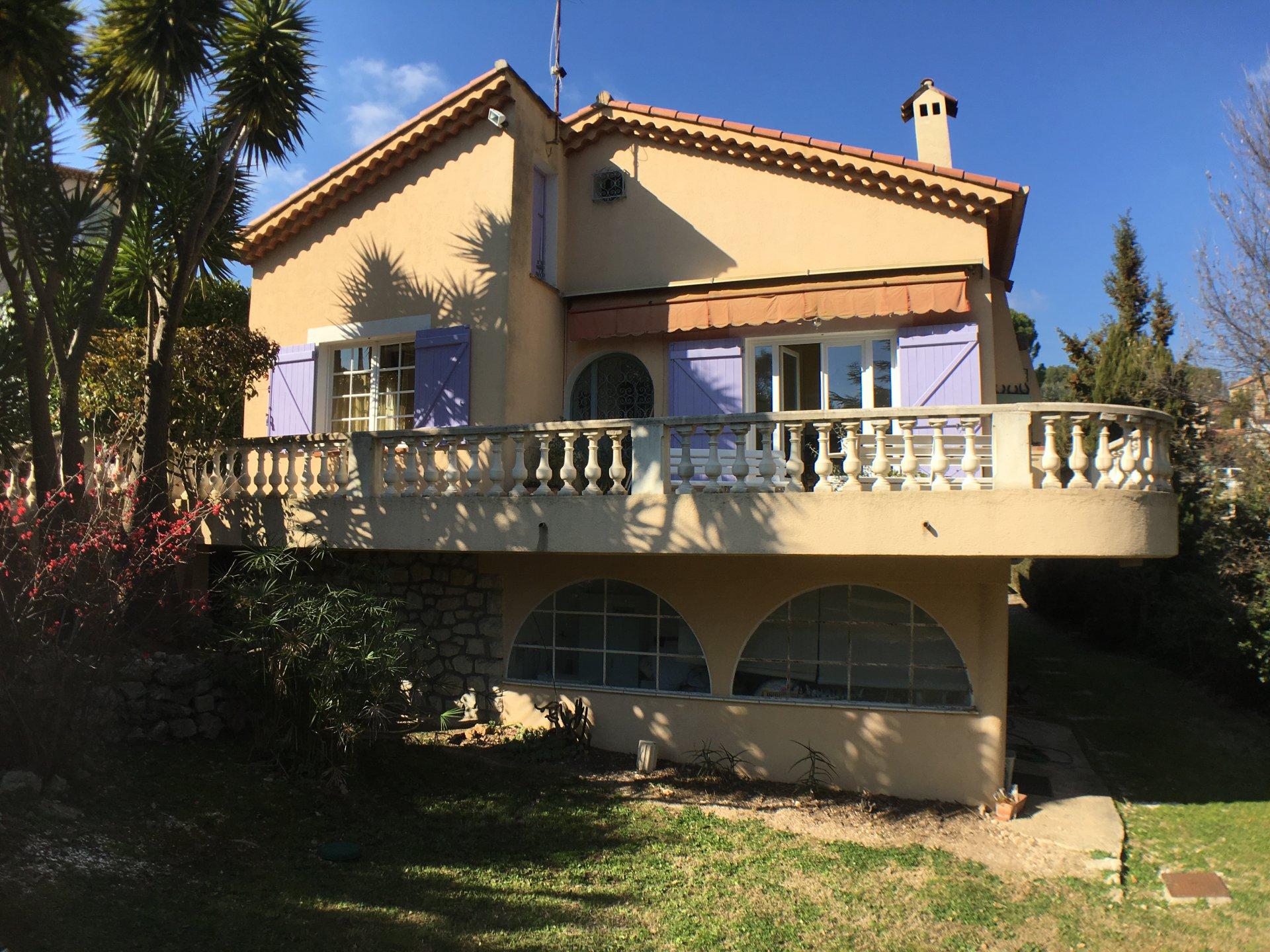 AZUR RIVIERA VILLA  8 P, composed 2 appartments, swimmingpool