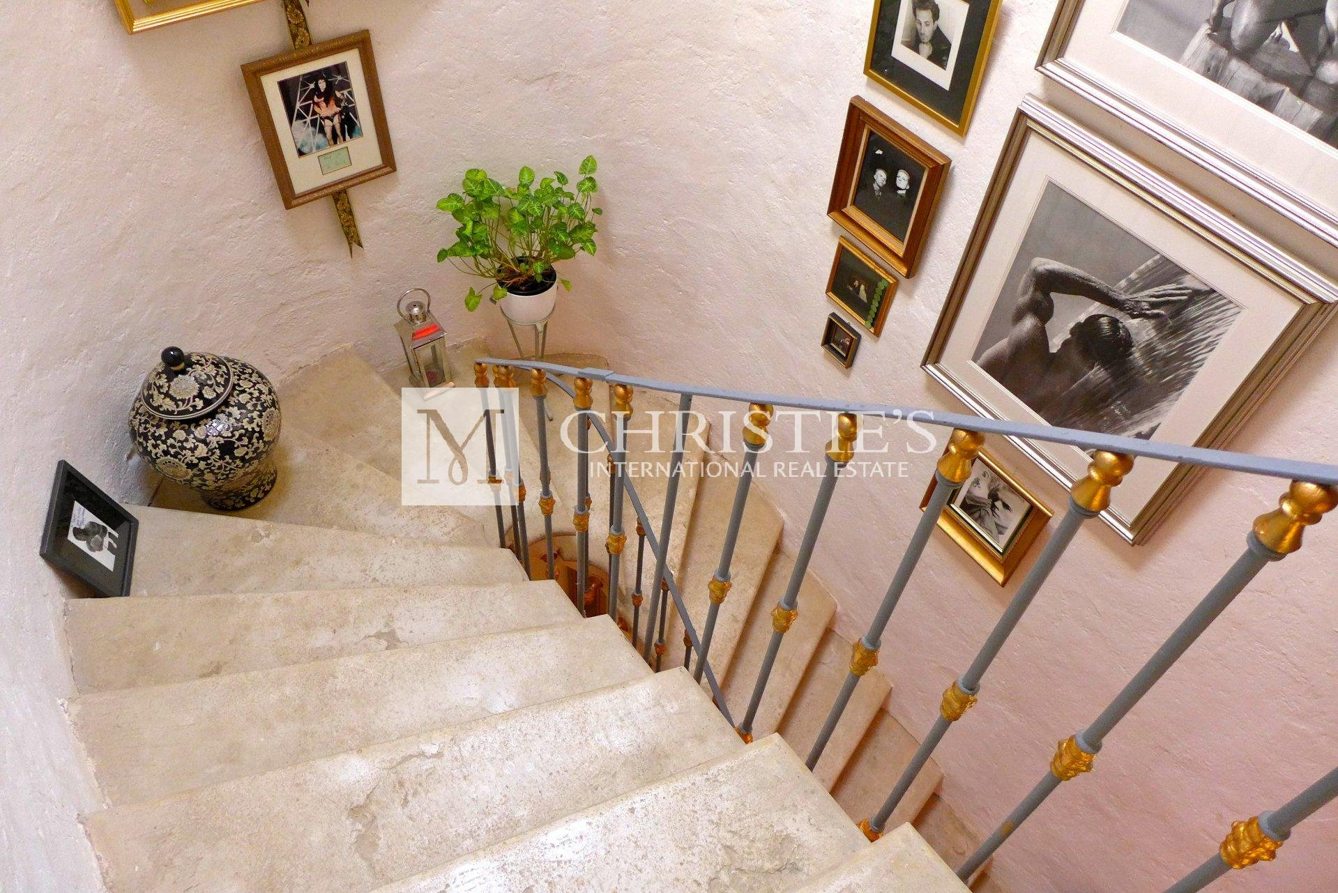 Fully renovated 6 bedroom Stone Maison de Maitre near Monpazier and Dordogne border