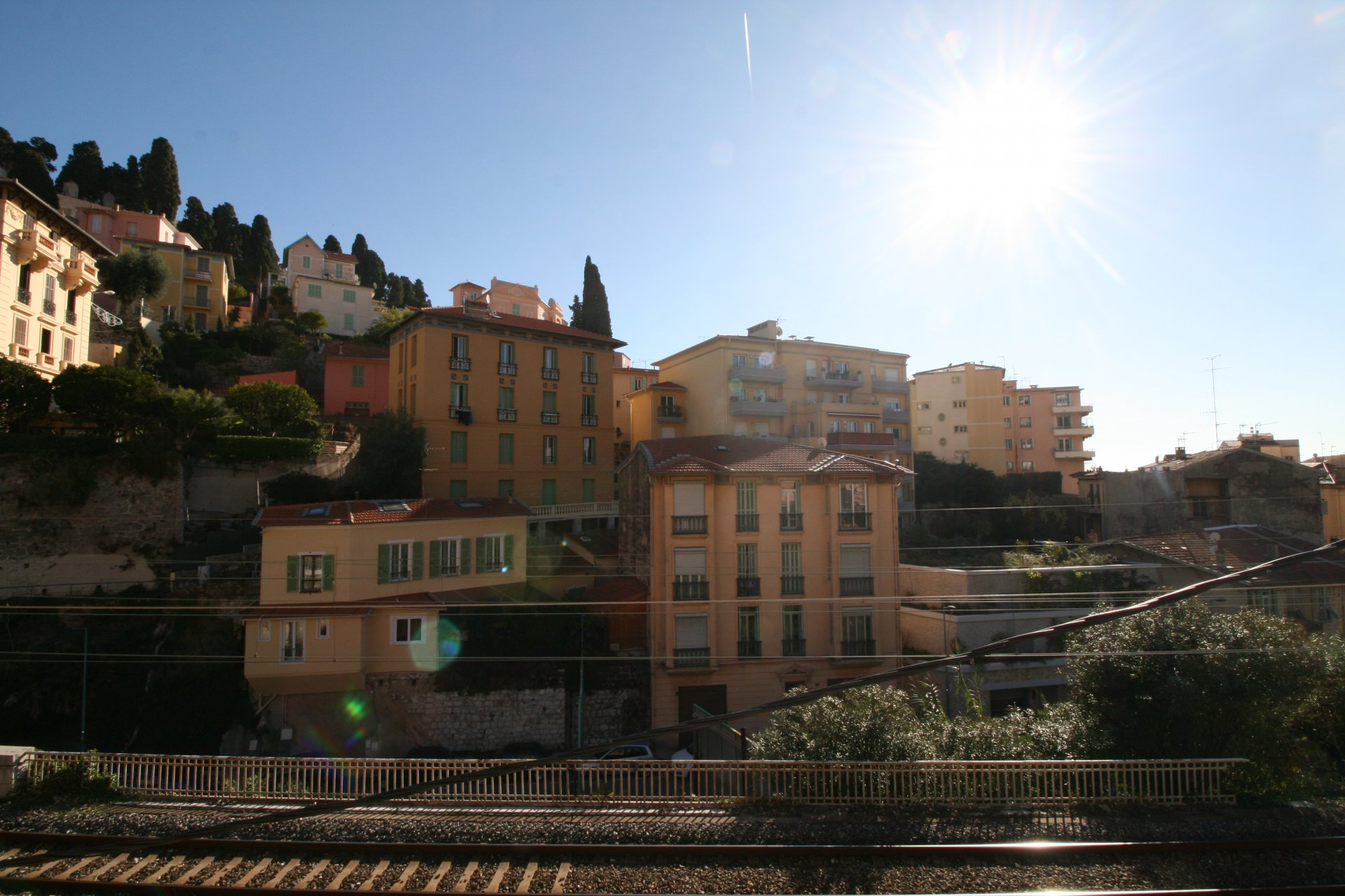 MENTON TOWN CENTER-STUDIO FLAT WITH BALCONY AND CELLAR FOR SALE.