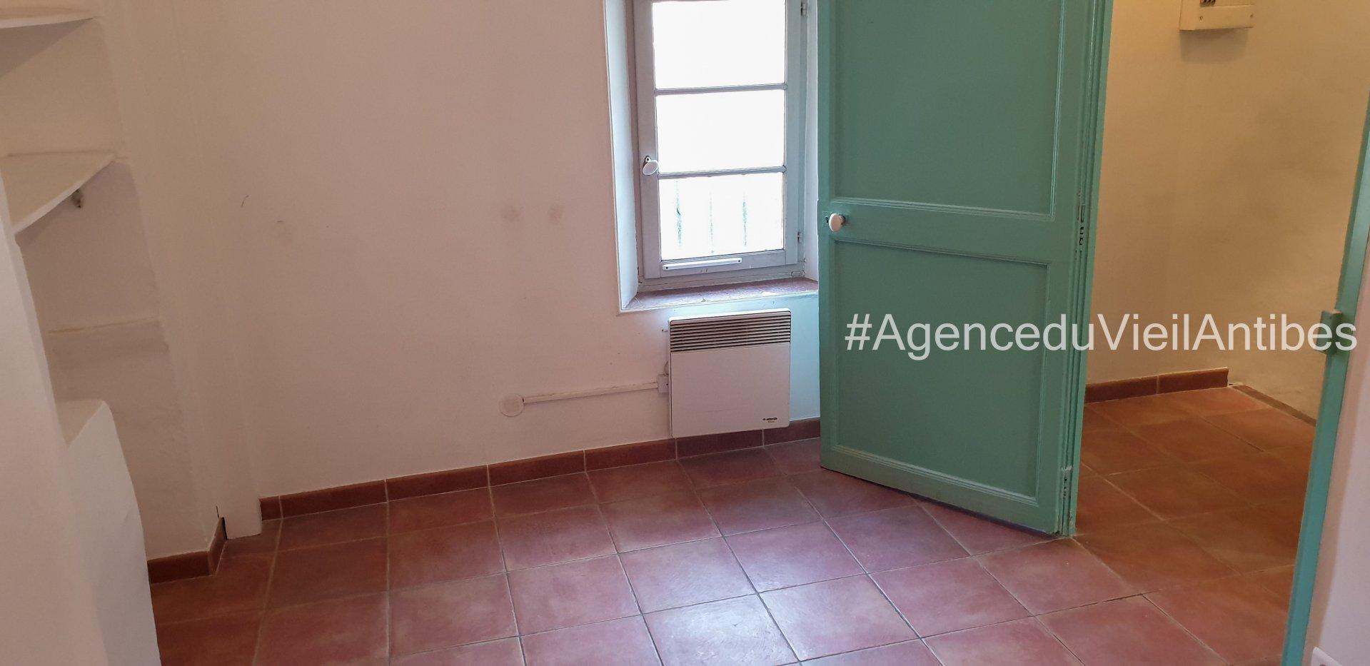 3p de 51.5 m² - dernier étage loué vide