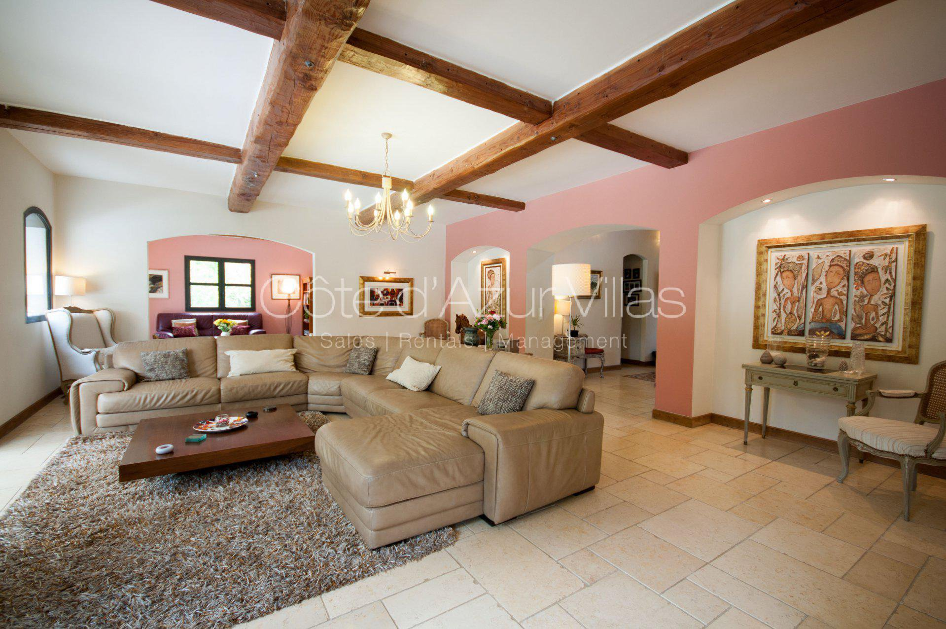 Mougins - Beautiful 5-bedroom property in a very quiet environment