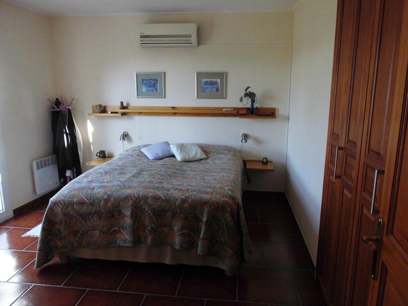 Villa med härlig tomt, dubbelgarage, pool och härlig utsikt