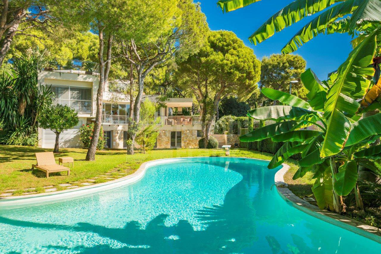 Spacious contemporary villa with sea view, Saint jean Cap Ferrat