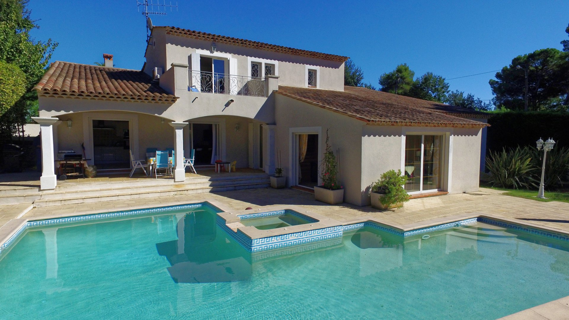 Purchase / Sale Villa Mougins located in a very residential area