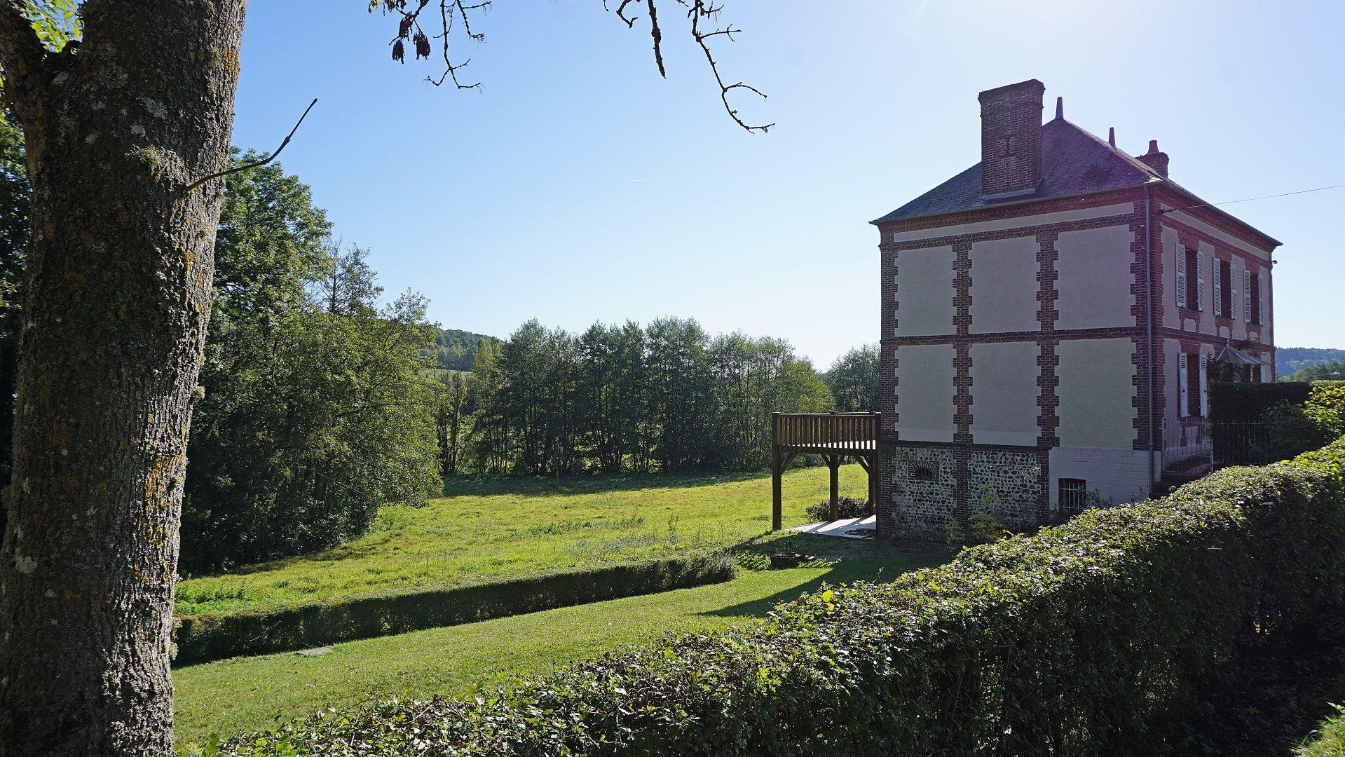 PAYS D'AUGE-ORNE-CANAPVILLE-Propriété Normande avec Maison Bourgeoise en zone protégée