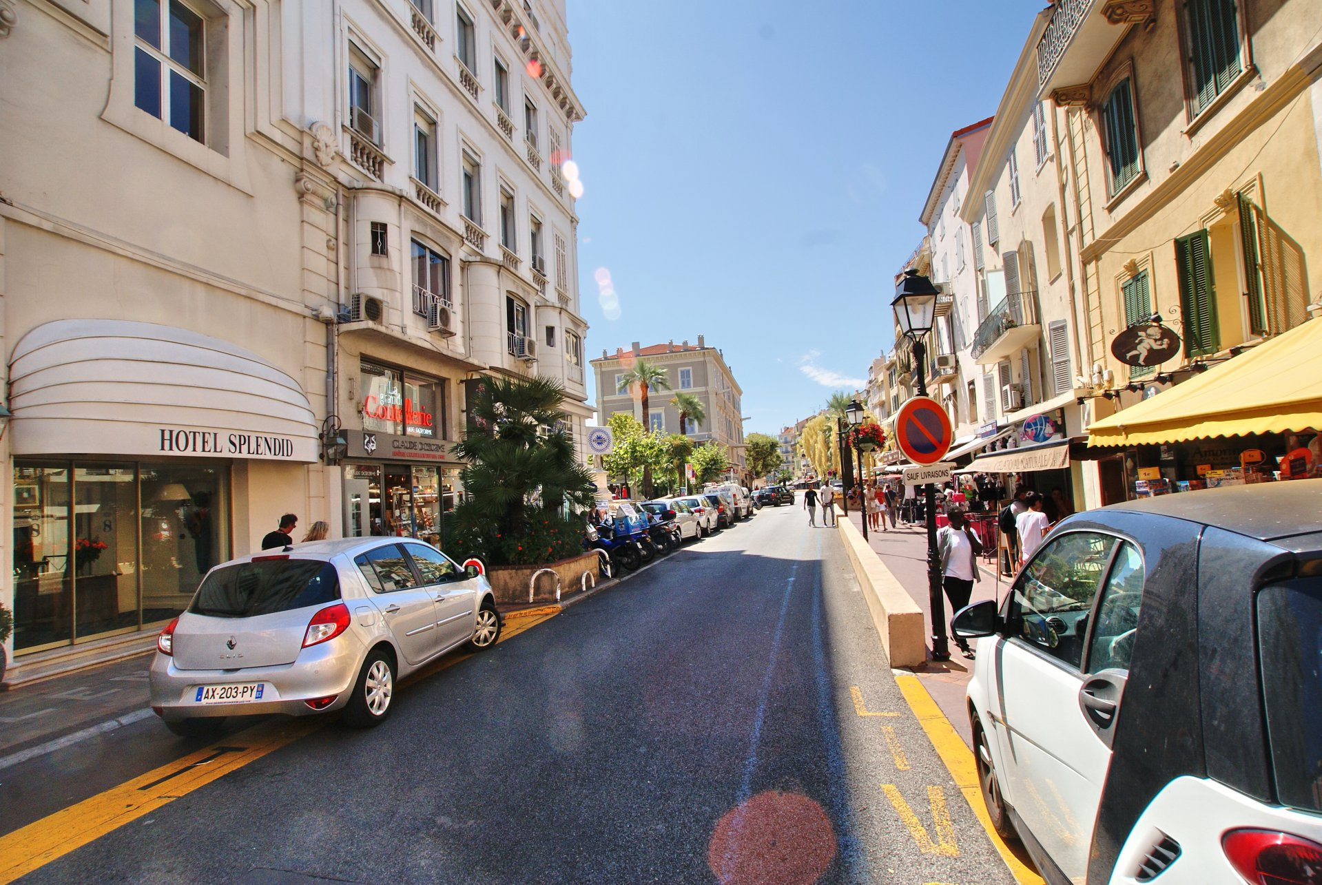 CANNES - RUE FELIX FAURE - FONDS DE COMMERCE