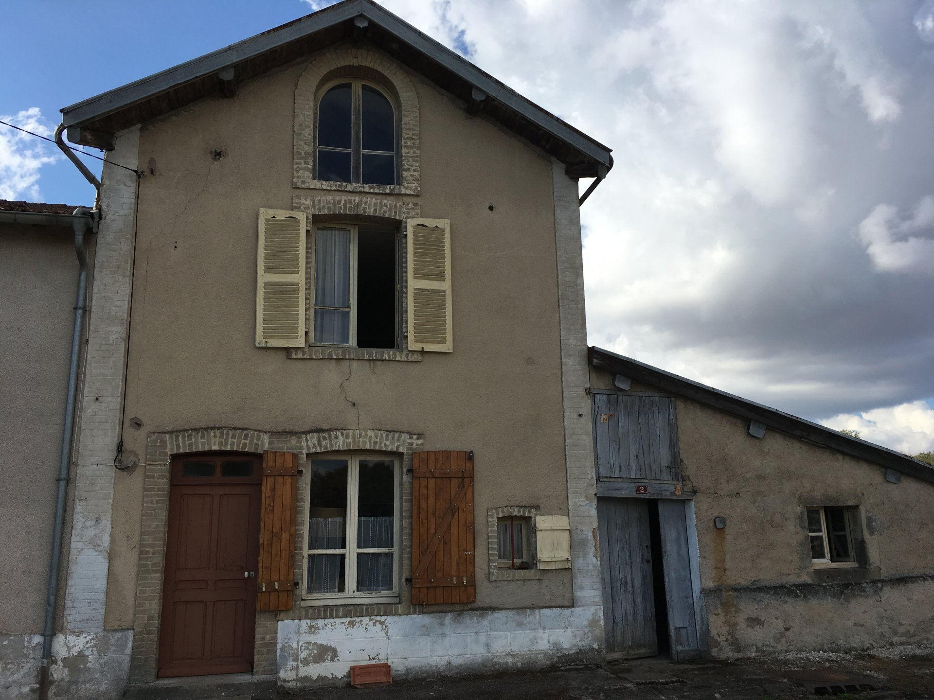 Malerisches Ferienhaus in Haute-Saône, am Ende des Dorfes, mit Gelände.