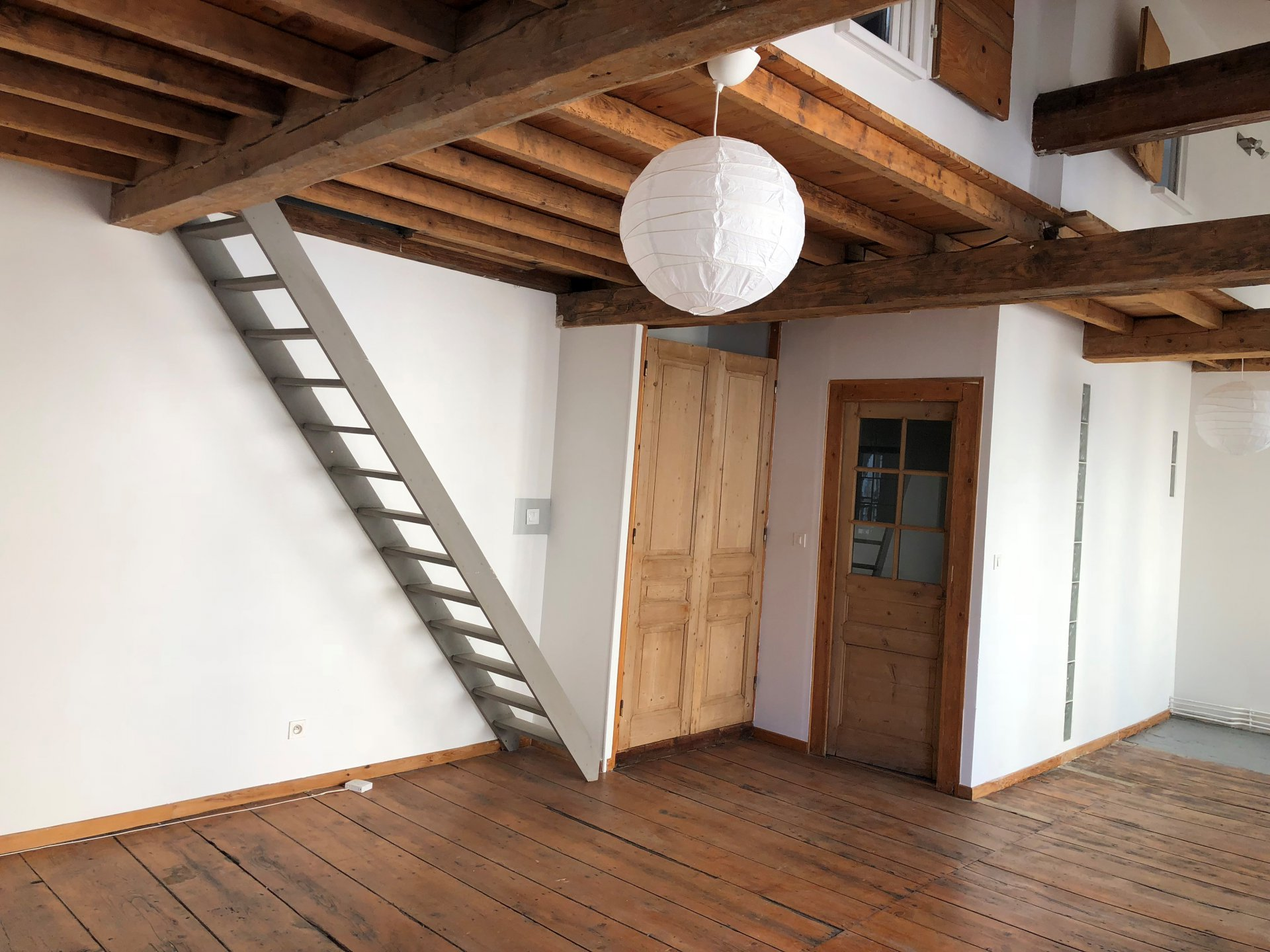 SAINT-ETIENNE-  T2 atypique de 57.66 m²