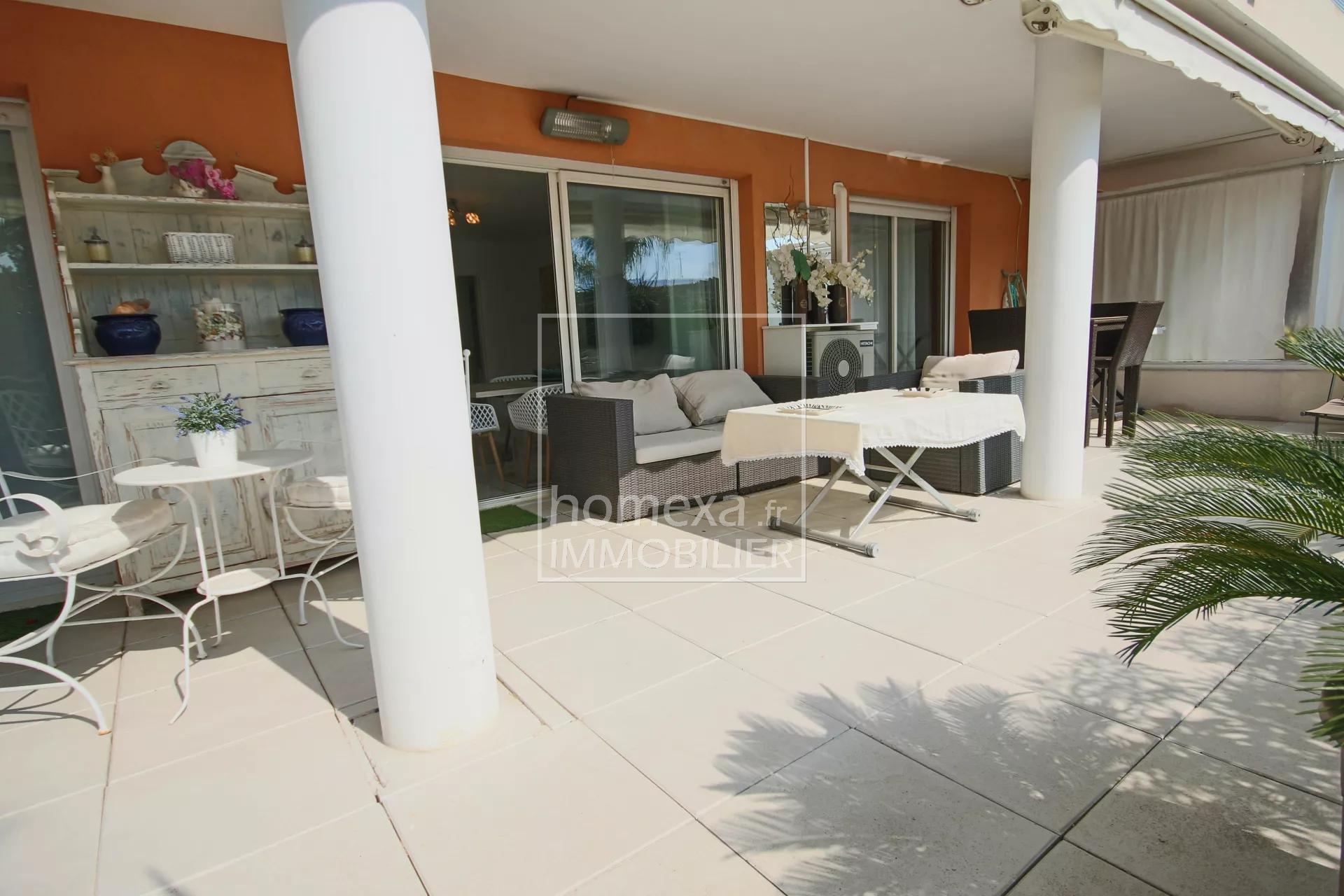 Real estate Cannes la Bocca : wide sunny terrace