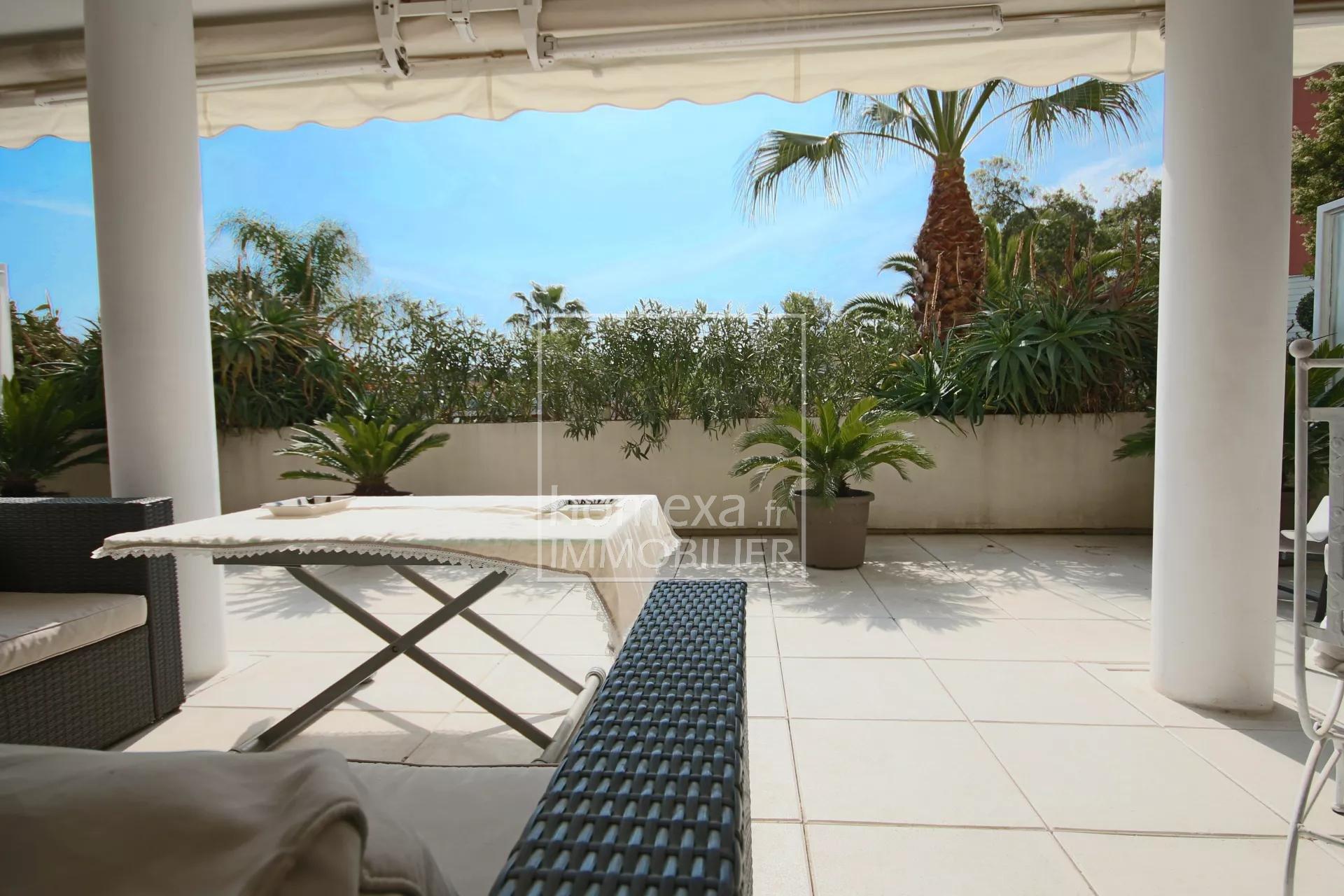 Apartment for sale in Cannes La Bocca : Terrace view