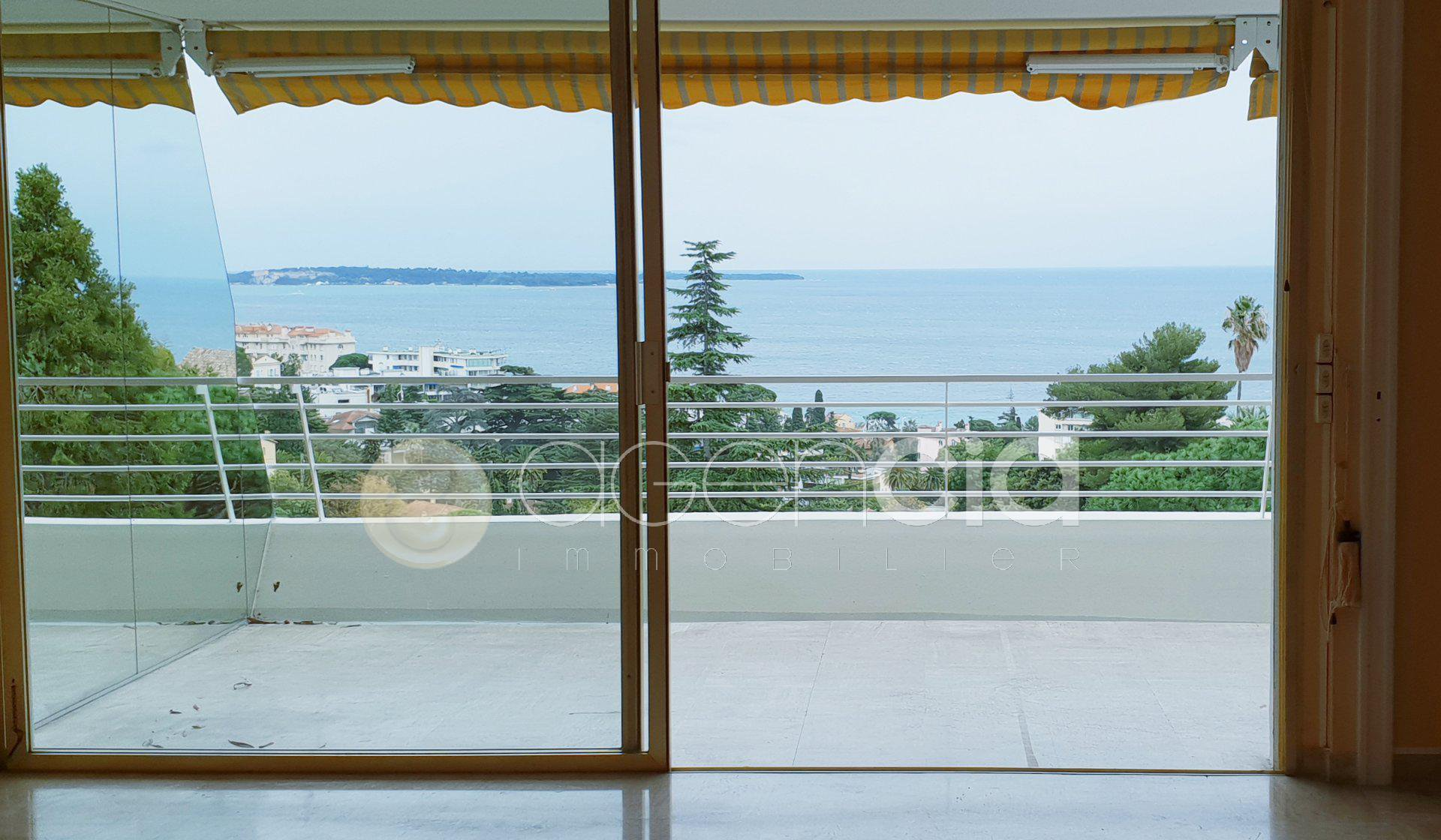 CANNES croix des gardes Beautiful sea view for this 3 rooms 75m2