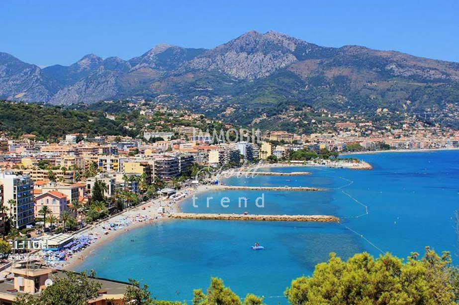 Real estate Roquebrune Cap Martin - For sale, three bedroom apartment with panoramic sea view situated in a seafront building