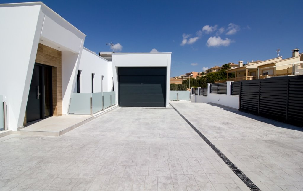 New build modern villa of 2 floors in Calpe