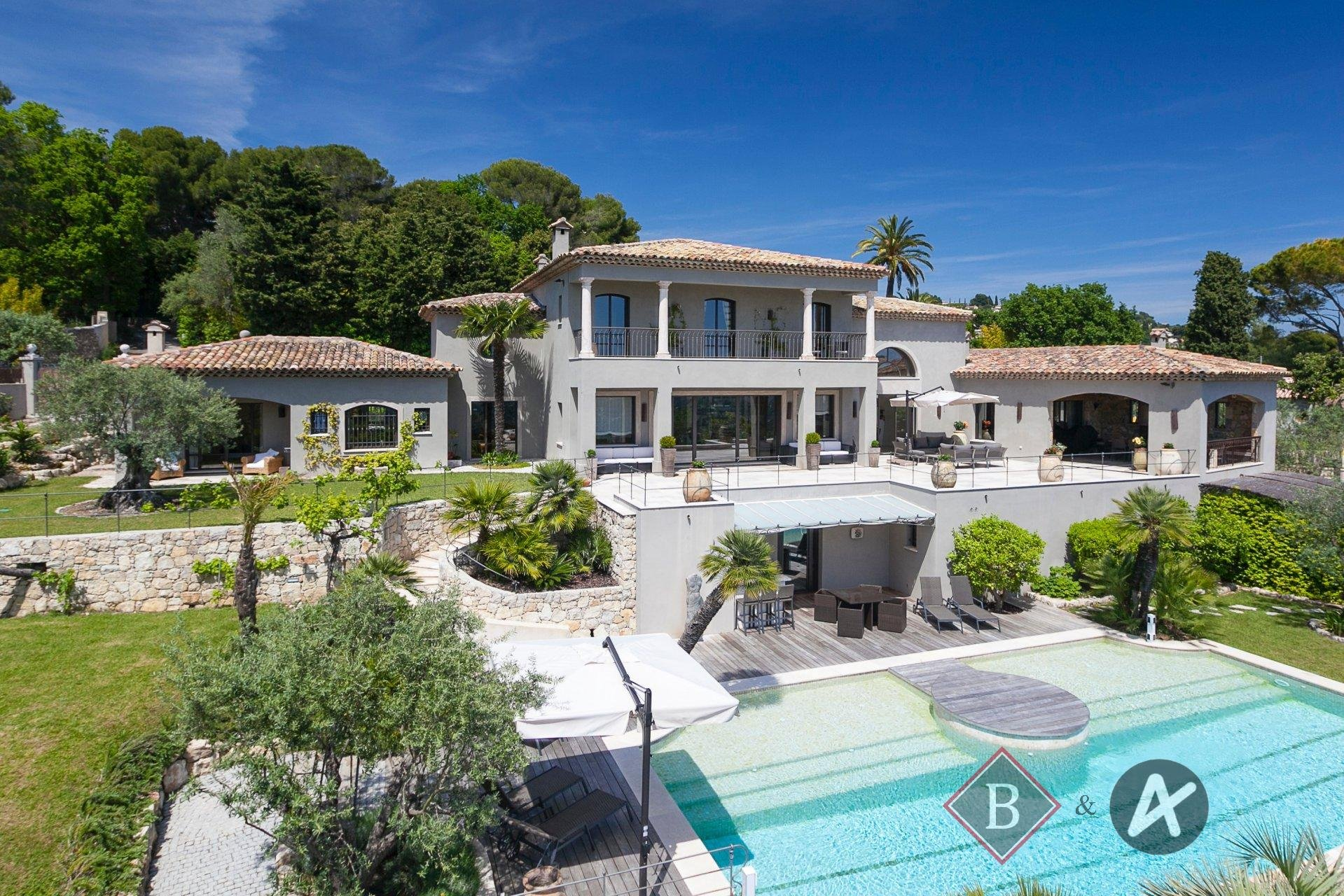 For sale - Luxury property, haven of peacefulness close to Cannes