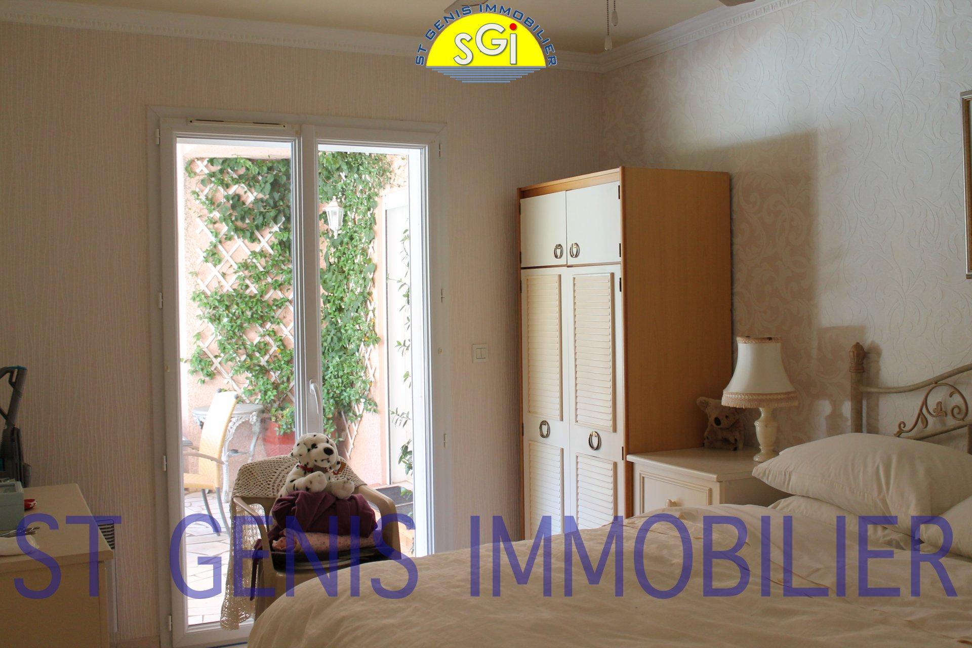 Villa 4 faces avec appartement indépendant
