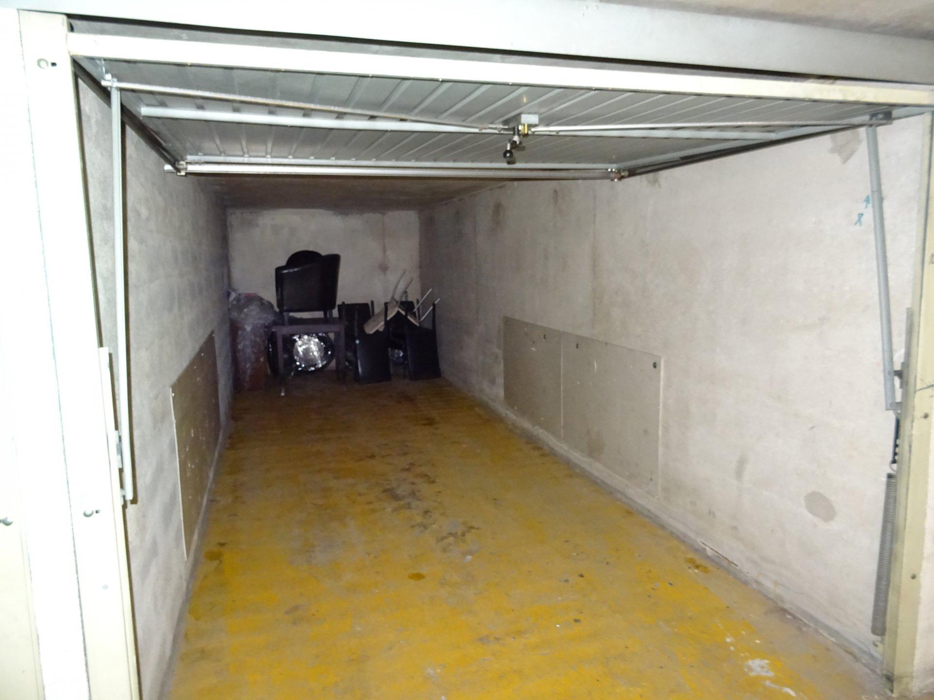 Sale Carpark - Menton