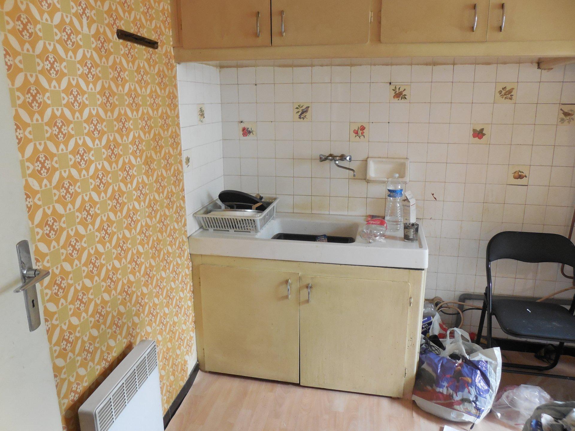 A vendre à Perpignan appartement T2 à rénover