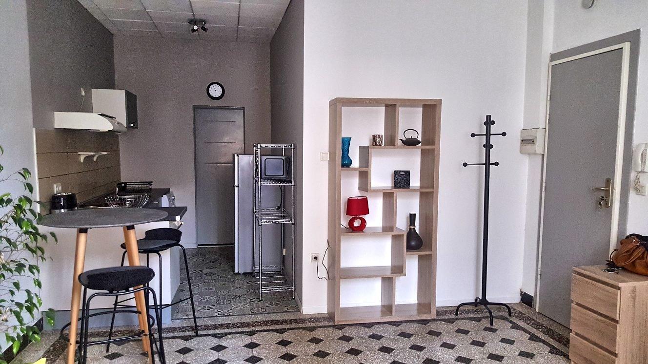 Perpignan à vendre studio rénové dans petite copropriété peu de charges.
