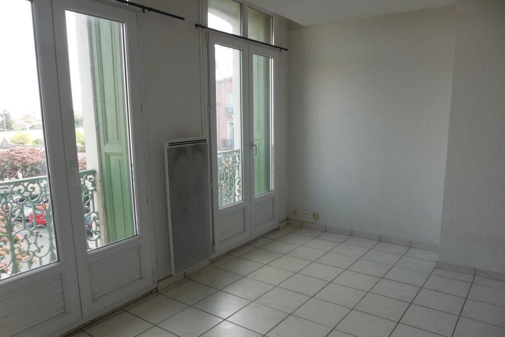Grand appartement rénové de type 2/3, vue dégagée