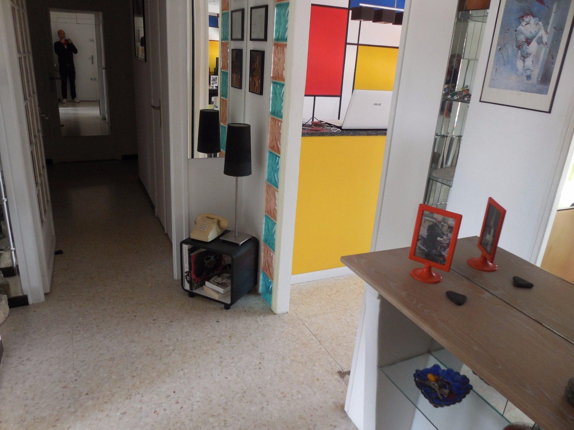 Appartement à la vente à Perpignan, traversant et lumineux