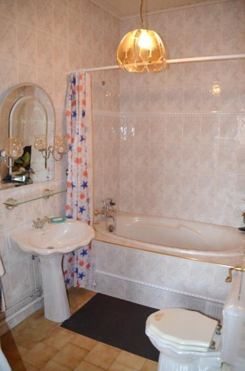 Perpignan Bas Vernet Est, Maison de ville de 170 m² Habitable en R+2 sur 213 de Terrain avec Jardin, ...