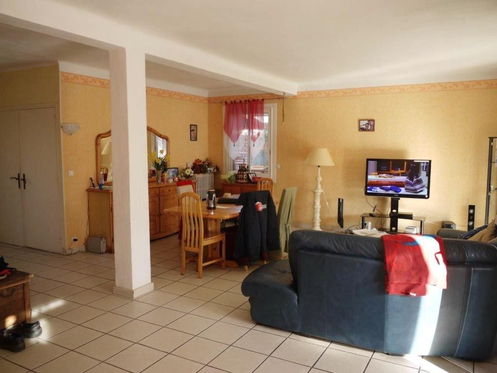 Baho, à la vente cette grande villa 3 faces T7 de 165 m² habitables sur 347 m² de terrain avec piscine, ...