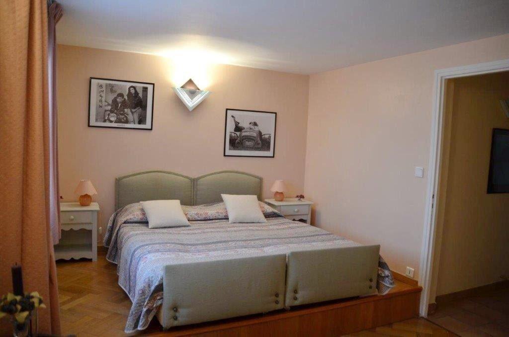 Canet-en-Roussillon, à la vente cette superbe villa d'Architecte T12 de 450 m² de surface utile sur ...