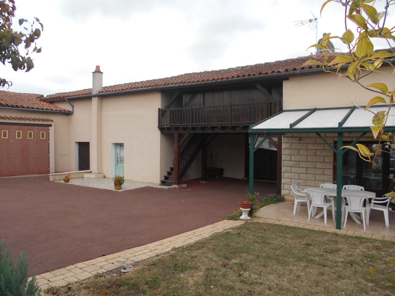 Sale House - Oiron