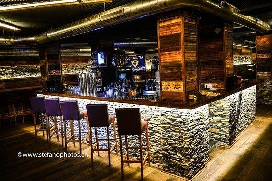 BAR LOUNGE - PUB