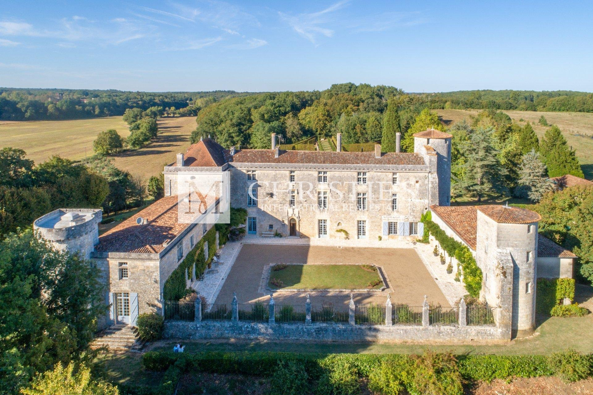 Magnificent 13th and 15th century Chateau near Angoulême, Charente