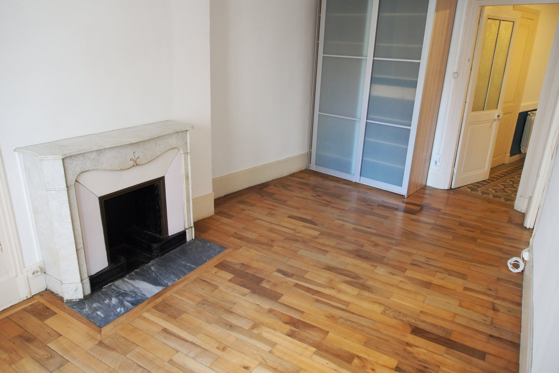Large 60.11m², one bedroom apartment in central Grenoble