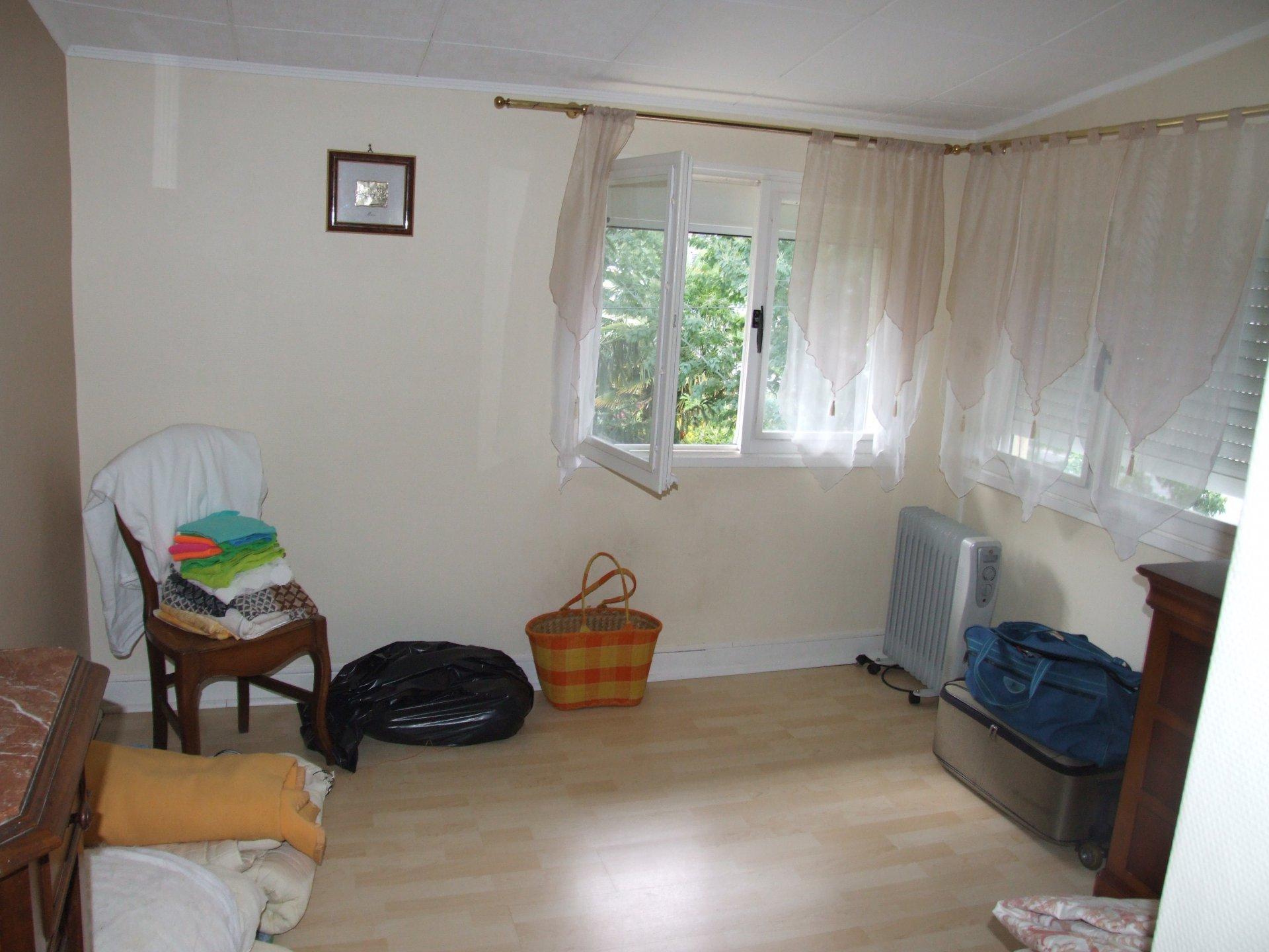 Maison années 30 sur 1479 m²