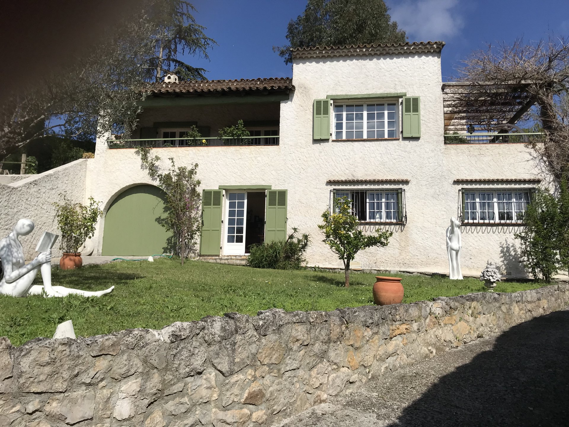 La Colle sur Loup, property in a residential area